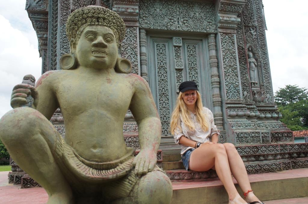 Agness of eTramping.com Cambodia