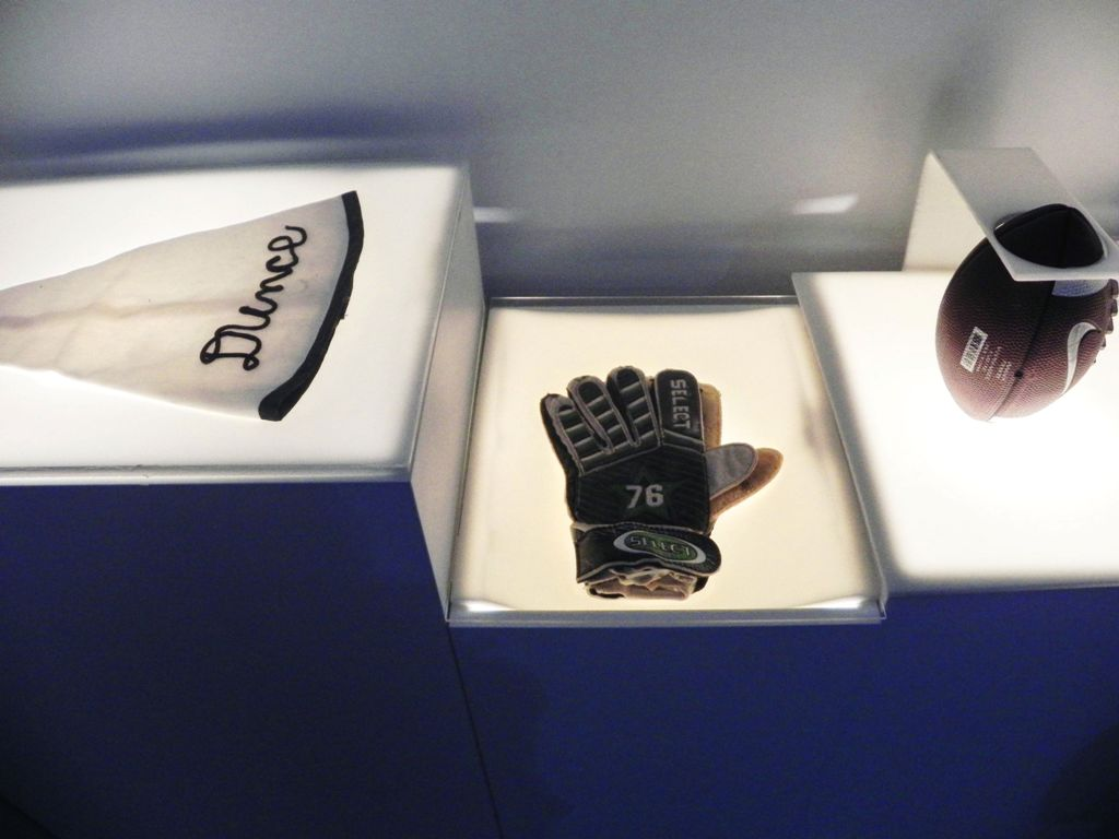 Goalkeeper gloves - Museum of Broken Relationships