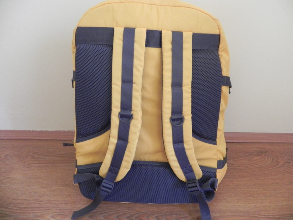 Cabin Max Metz Backpack Review 10