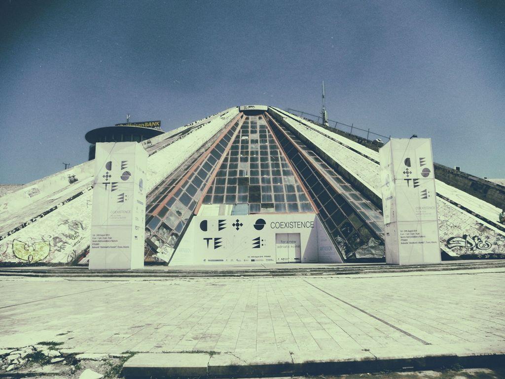 Piramida Tirana