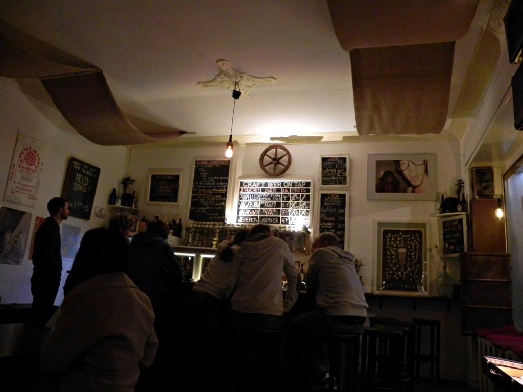 Vagabund bar Berlin -traveling without blowing your budget