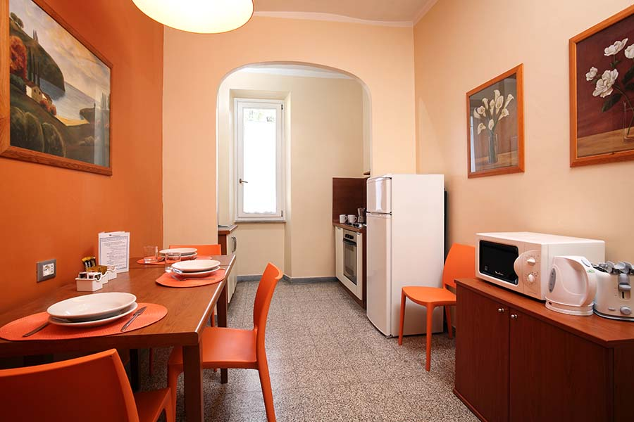 Trianon Borgo Pio apartments kitchen