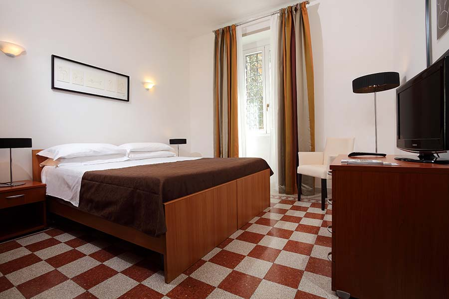 Trianon Borgo Pio apartments room