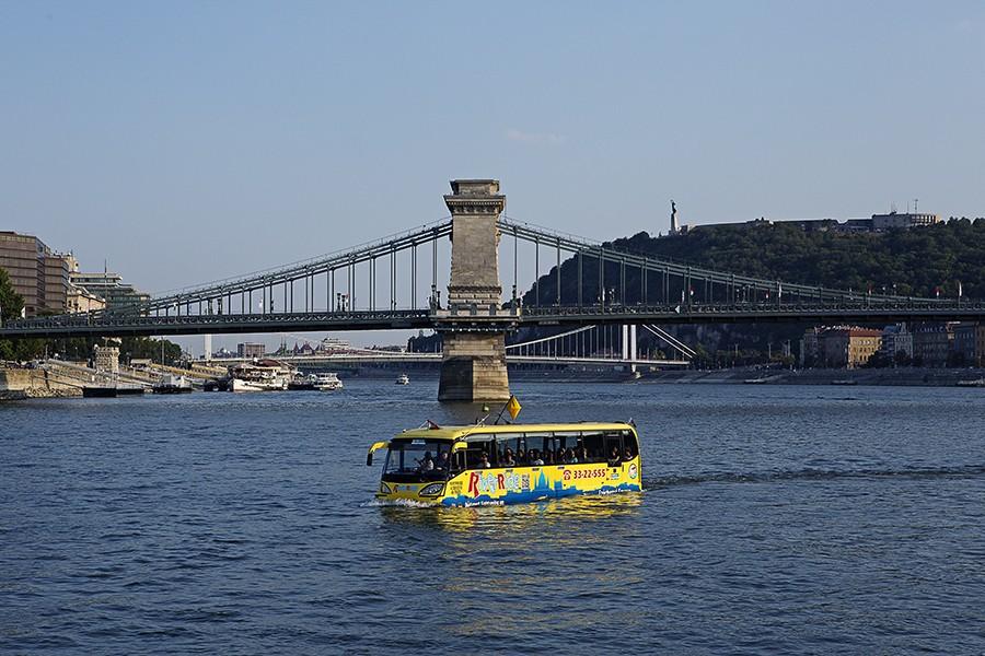 floating bus budapest