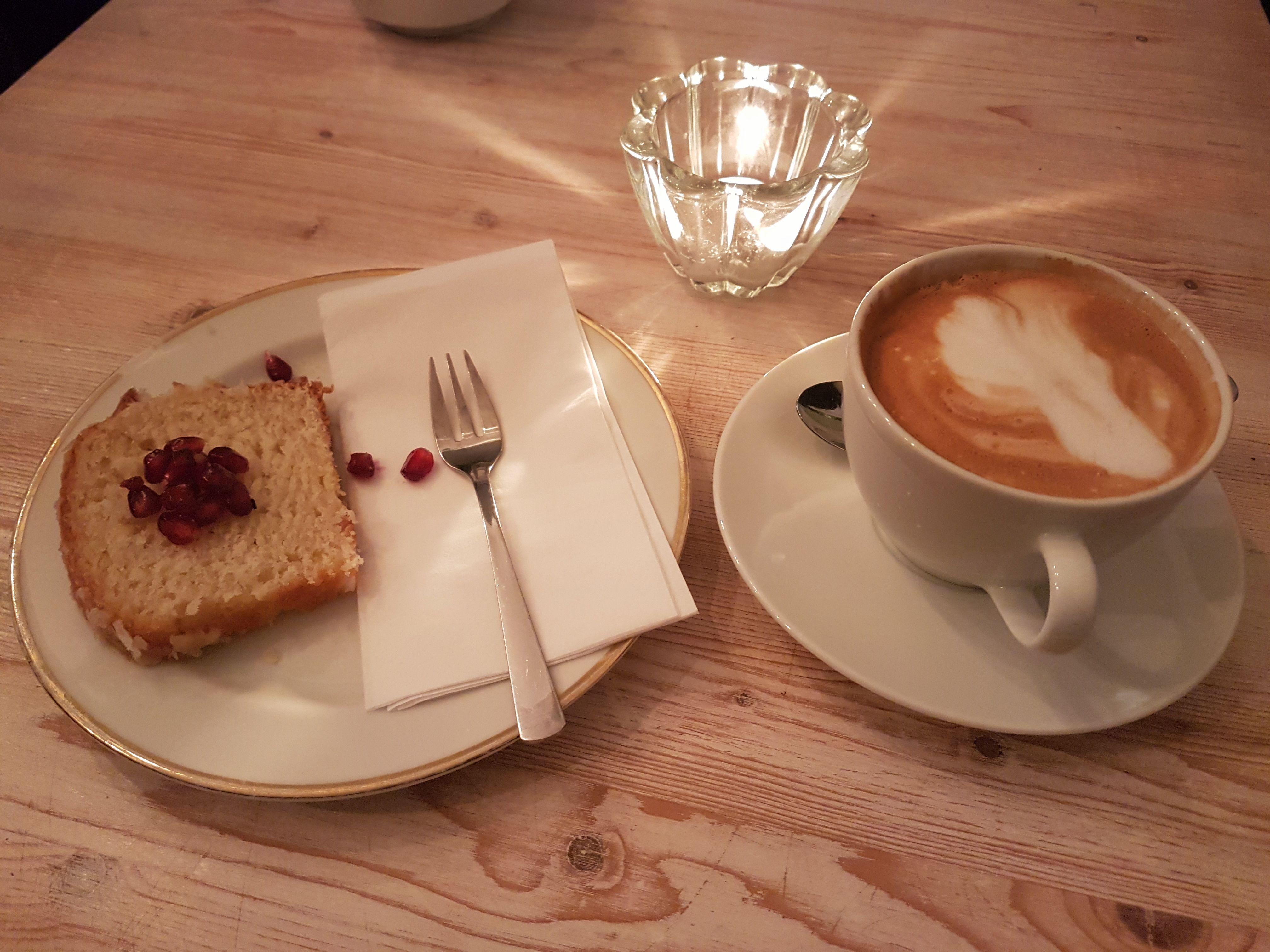 Neue Liebe cafe